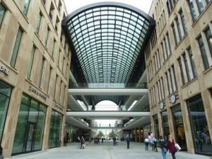 Eins der größten Einkaufszentren Berlins in der Stadtmitte (c) Holger Siems/BerlinOnline