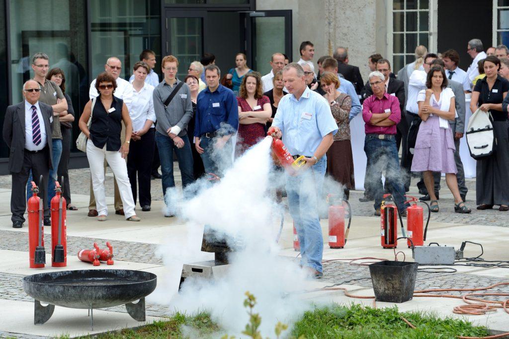 Die BFSB hat sich seit ihrer Gründung der Aus- und Fortbildung im Brandschutz verpflichtet. (Foto: Andreas Franke – panabild.de)